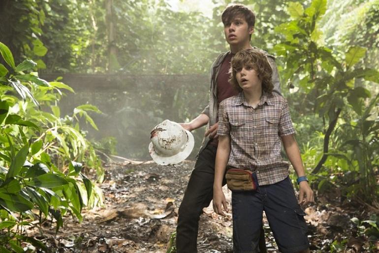 Os garotos Gray e Zach se aventuram no parque. (Foto: Divulgação)