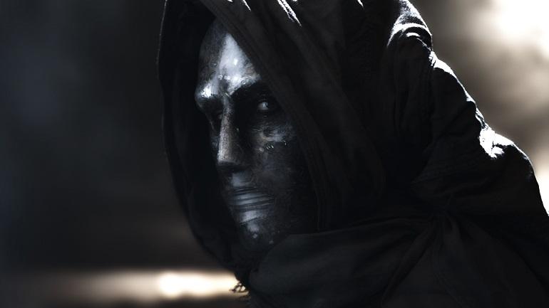 A interpretação de Toby Kebbell como Dr. Destino não deixa a desejar, já o visual do vilão...