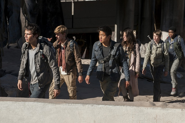 Thomas (O'Brien), Teresa (Scodelario), Newt (Brodie-Sangster) e Minho (Lee) amadurecem após suas desventuras no deserto.