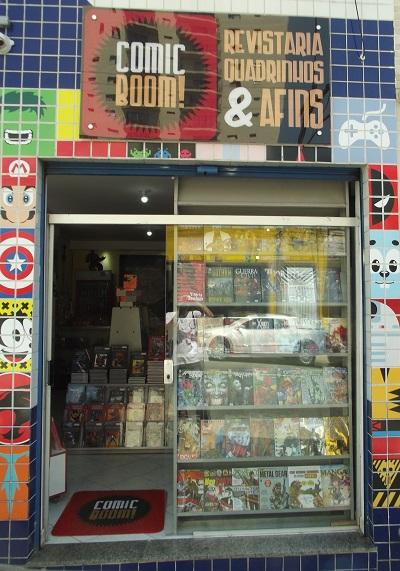 A fachada da Comic Boom! ganhou uma vitrine nova. (Foto: Henrique Almeida)