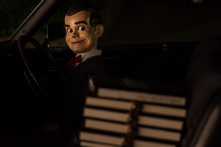 O sinistro boneco Slappy é o principal vilão do filme.