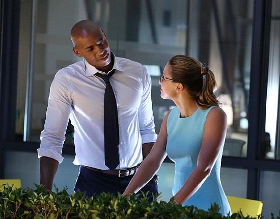 James Olsen (Mehcad Brooks) é o interesse de Kara (Benoist) e amigo do Superman. (Foto: CBS Broadcasting)