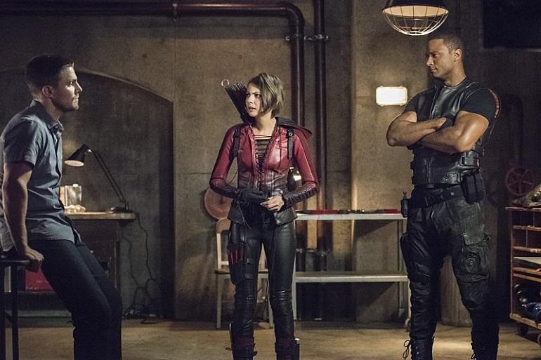 Para Oliver (Amell), não será fácil reconquistar a confiança de Thea (Holland) e Diggle (Ramsey).