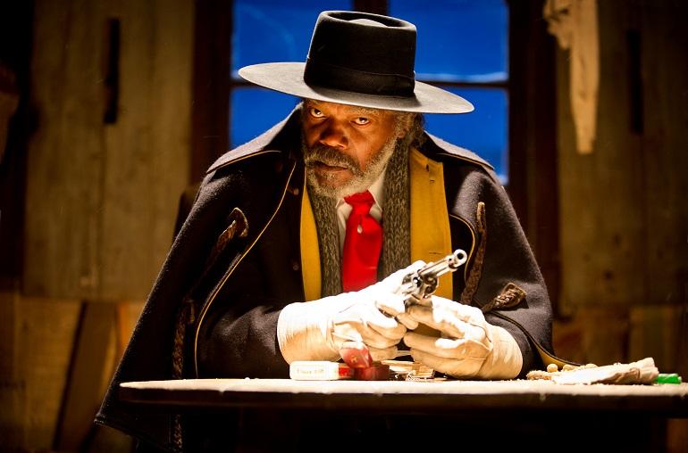 Os Oito Odiados ainda debate o preconceito, mesmo com Samuel L. Jackson assim ameaçador. (Foto: Andrew Cooper)