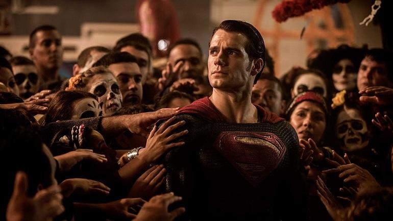 Além da luta entre Filho de Krypton vs. o Morcego de Gotham, o filme terá as participações da Mulher-Maravilha e Aquaman.
