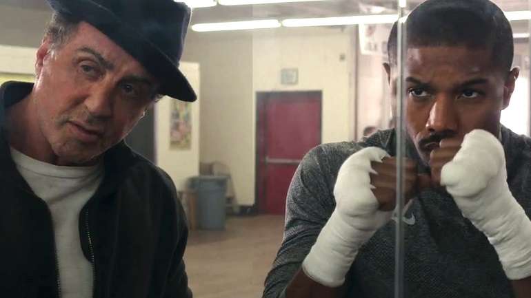 Filho de Apollo Creed, Adonis (Michael B. Jordan) pede para ser treinado por Rocky.