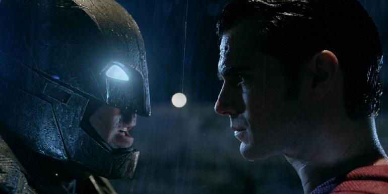 Totalmente instrumental, a trilha acompanha Batman vs Superman do início ao fim. (Foto: Warner