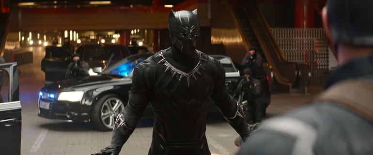 O Pantera Negra (Boseman) tem participação ativa em Capitão América: Guerra Civil. (Foto: Film Frame)