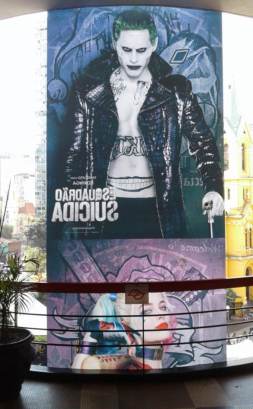 Na Galeria do Rock, o Coringa e a Arlequina estão no lugar certo! (Foto: Henrique Almeida)
