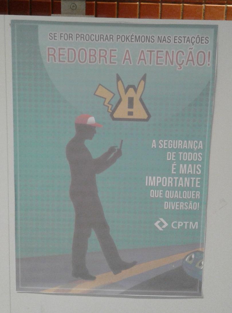 Esse cartaz foi encontrado pelo Boletim Nerd na estação Pinheiros, Linha 9-Esmeralda da CPTM.