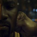 Luke Cage: 1ª temporada exalta a cultura negra e foca a tensão racial nos EUA