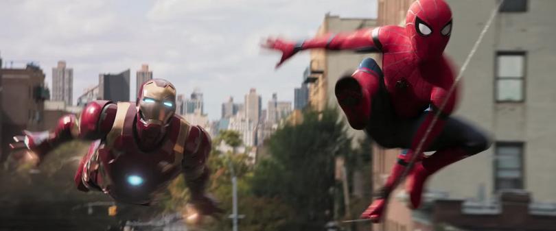 O Amigão da Vizinhança está de volta! Desta vez, Homem-Aranha/Peter Parker combate o Abutre e Shocker e conta com a ajuda do Homem de Ferro/Tony Stark. (Foto: Sony)