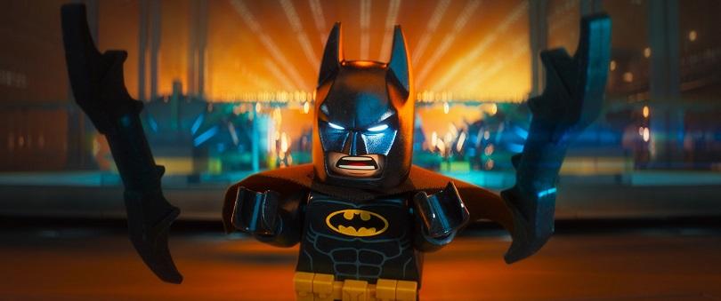 Em preto e amarelo, é hora do Batman mostrar um lado diferente do Cavaleiro das Trevas... (Foto: Warner)