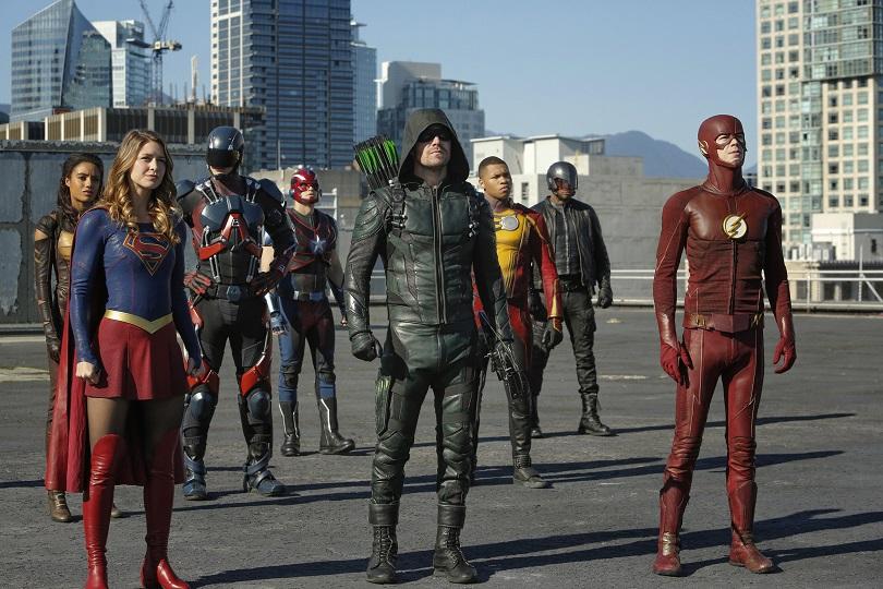 Em Invasion!, os maiores super-heróis da Terra encaram seu maior desafio! (Foto: Warner Channel)