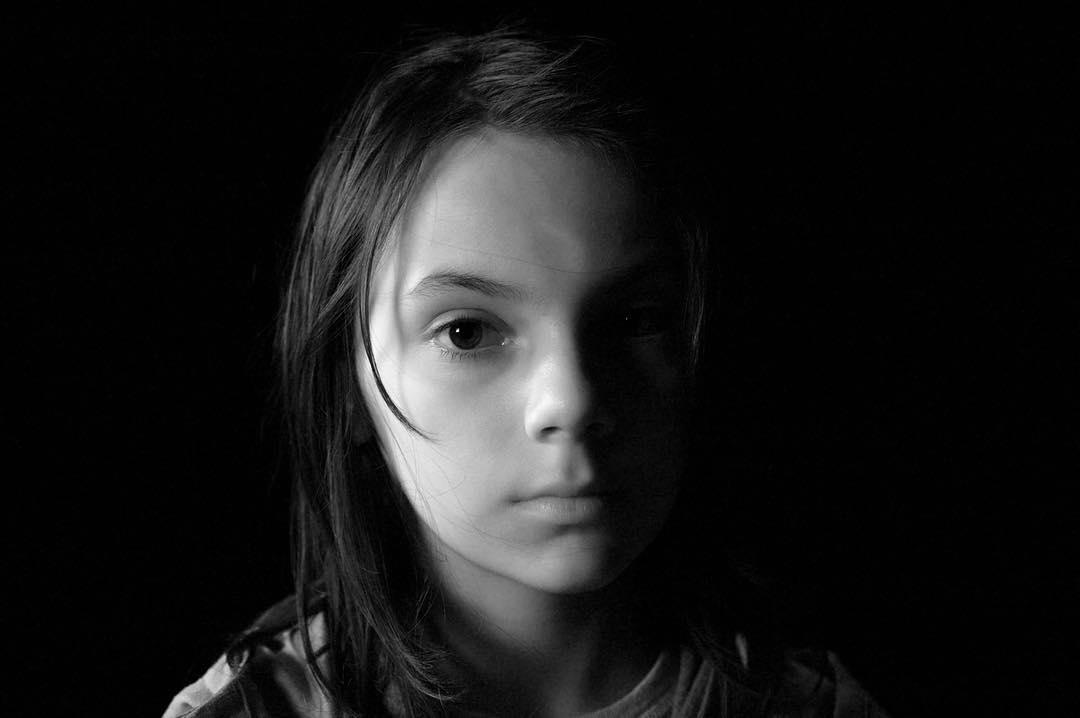 Laura Kinney foi vítima dos experimentos da Transigen Pesquisas e seria usada como uma arma. (Foto: Fox)