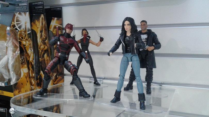 Protagonistas das séries da Marvel e Netflix, Demolidor, Elektra, Jessica Jones e Justiceiro devem chegar às lojas em setembro. (Foto: Henrique Almeida)