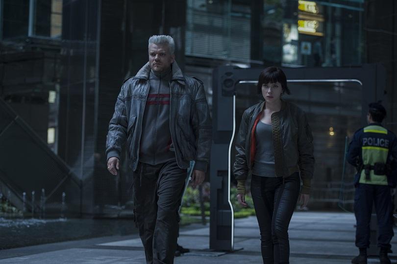 O elenco majoritariamente branco não prejudica a adaptação de A Vigilante do Amanhã: Ghost in the Shell. (Foto: Paramount Pictures)
