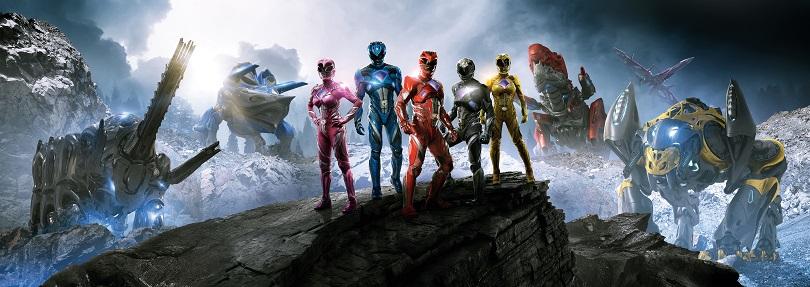 A aparição dos zords é o ápice de Power Rangers. Repare em como estão fiéis! (Foto: Lions Gate)