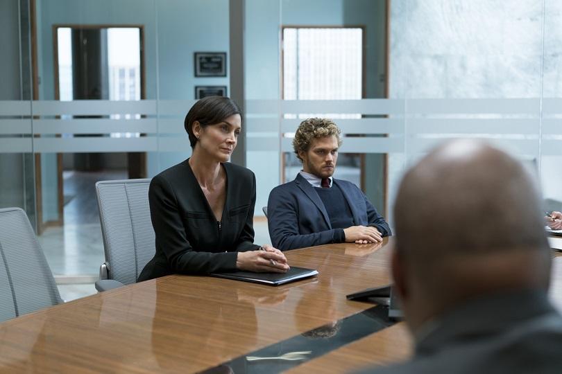 """""""Jeri-Grana"""" Hogarth foi estagiária das Empresas Rand e decide ajudar Danny a recuperar o legado de seus pais. (Foto: Netflix)"""