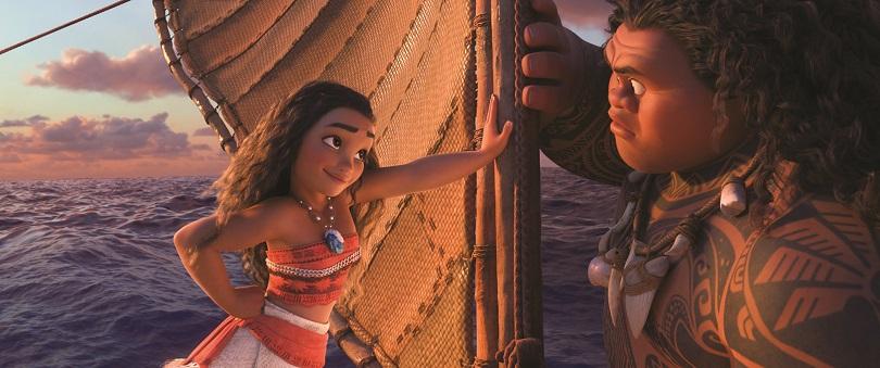 Moana se aventura pelos mares do Pacífico Sul com a ajuda do semideus Maui. (Foto: Disney)