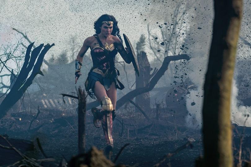 Diana não pede para ser a Mulher-Maravilha, ela toma o seu posto de liderança. (Foto: Clay Enos/TM & © DC Comics)
