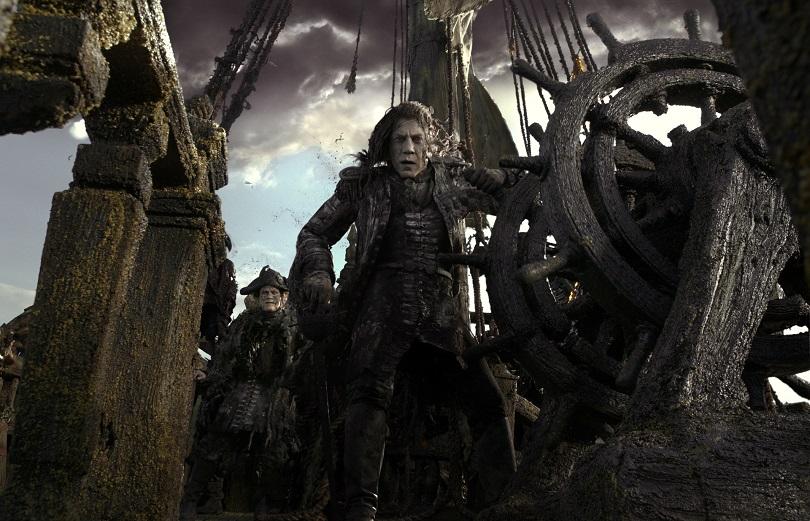 """Salazar tem uma antiga rixa com Jack Sparrow e quer ver o pirata """"caminhar sobre a prancha"""". (Foto: Disney)"""
