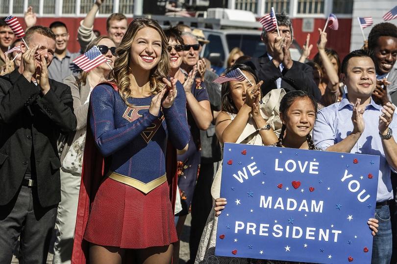 Trump não é o candidato da Supergirl... O episódio Resist critica o slogan do político. (Foto: The CW)