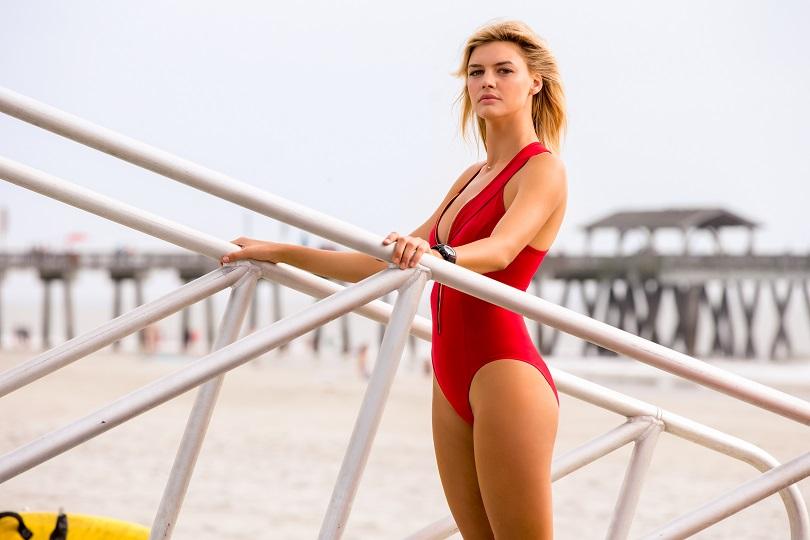 A modelo Kelly Rohrbach arranca suspiros como a nova CJ Parker. (Foto: Paramount)