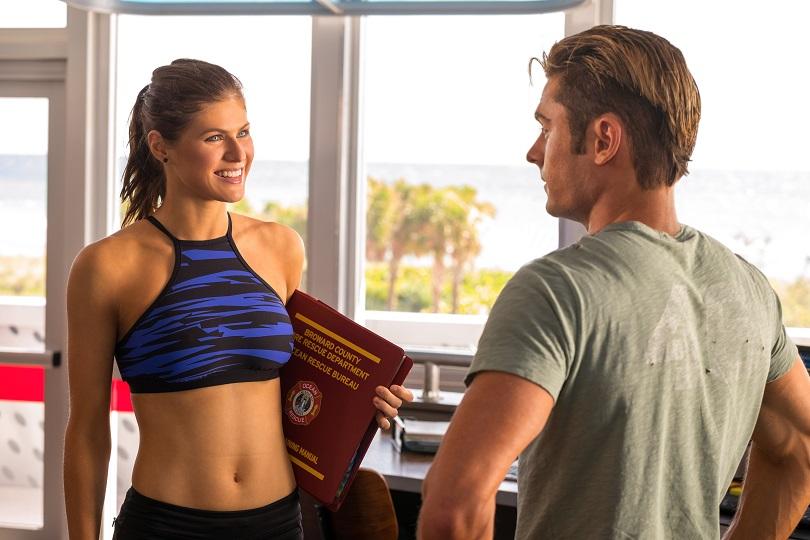 Matt Brody tem dificuldade para se concentrar quando fala com Summer Quinn... (Foto: Paramount)